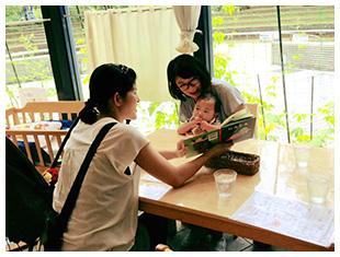 ママズカフェの絵本ランチで親子のにこにこランチタイムを