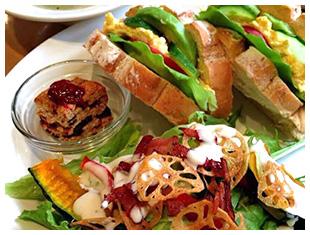 野菜たっぷり!ママズカフェの日替わりランチ(美肌ランチ)