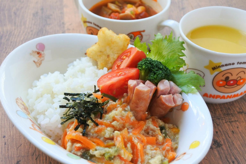 ママズカフェのキッズランチ(野菜たっぷりふわふわ丼)